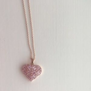 Jewelry - Pink heart necklace
